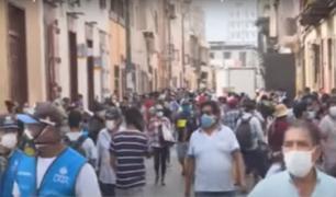 Calles del Mercado Central registran cantidad de personas en plena cuarentena