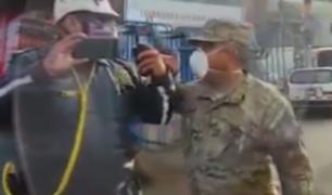 SJL: captan altercado entre policía motorizado y militares