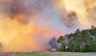 EEUU: cientos de evacuados por incendios forestales