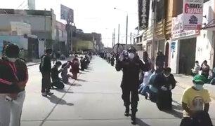 Lambayeque: policía y ciudadanos rezan en la calle por el fin de la pandemia