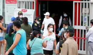 Vizcarra pide ampliar horario de bancos y mercados para evitar aglomeraciones