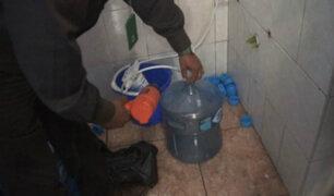 Surco: clausuran envasadora ilegal de agua que llenaba bidones en una ducha