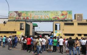 Mercado de Frutas: 157 de 198 comerciantes dan positivo para Covid-19 y toma de muestras continúa
