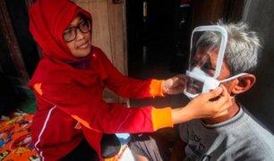 Indonesia: crean mascarilla especial para las personas sordomudas