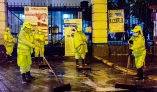 Coronavirus: Desinfectan exteriores de hospital Militar y de la Policía