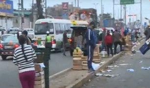 La Victoria: Pese a estar cerrado hay caos en los exteriores del Mercado de Frutas