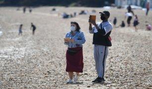 Reino Unido: británicos no respetaron distanciamiento social al abarrotar playa