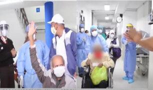 Día 66 por el Covid-19: Adultos mayores vencen al coronavirus y regresan a sus hogares