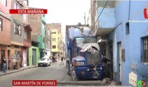 SMP: despiste de tráiler dejó dos viviendas afectadas en pleno estado de emergencia