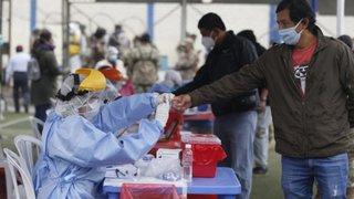 SJL: realizan más de 100 pruebas rápidas a comerciantes del mercado Mariscal Cáceres