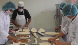 Solidaridad en Pachacámac: jóvenes elaboran panes para familias vulnerables