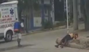 Tumbes: vendedor de periódicos se desplomó en plena calle con síntomas de COVID-19