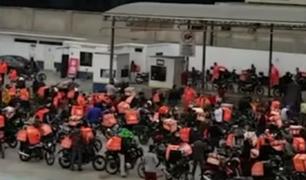Surco: motociclistas de delivery por aplicación no respetan distanciamiento social ni medidas de salubridad