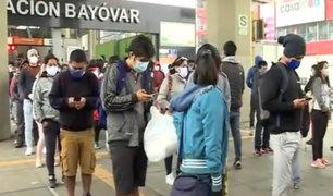 Inicio de reactivación económica: largas colas se forman en estación Bayovar