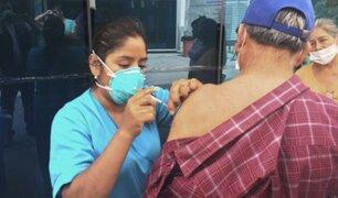Reanudan campaña de vacunación para niños pequeños y adultos mayores en hospital Negreiros