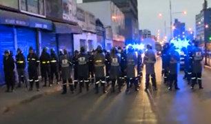 La Victoria: contingente policial evita ingreso de ambulantes a av. Grau
