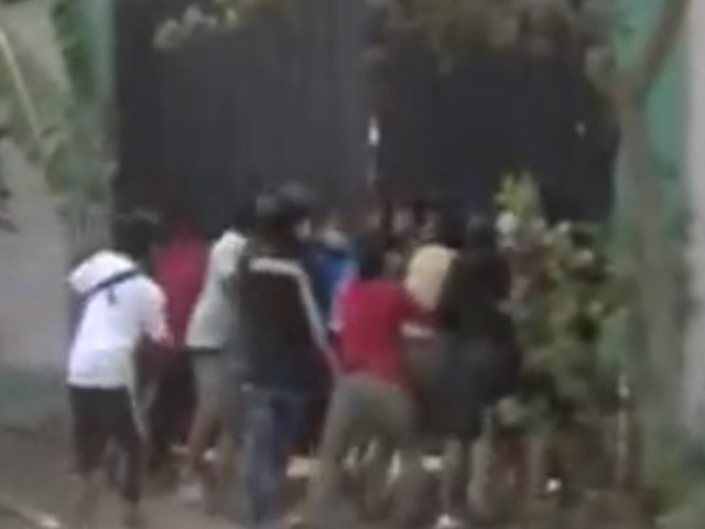 Chaclacayo: ciudadanos ingresan a depósito de municipio para llevarse sus motostaxis