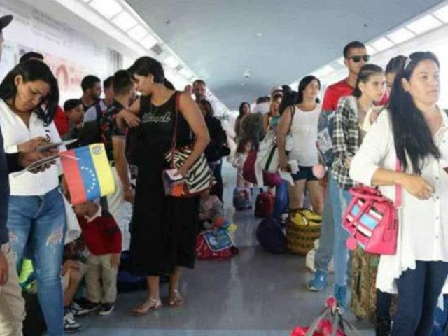 Venezuela: 300 venezolanos son repatriados de Lima y Quito