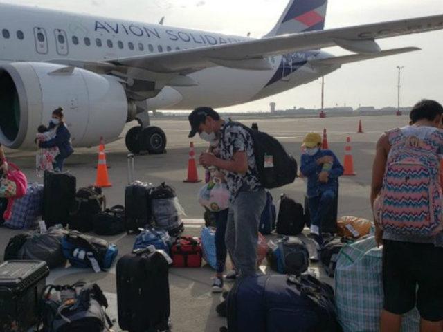 Extranjeros varados en Perú retornan a sus países de origen