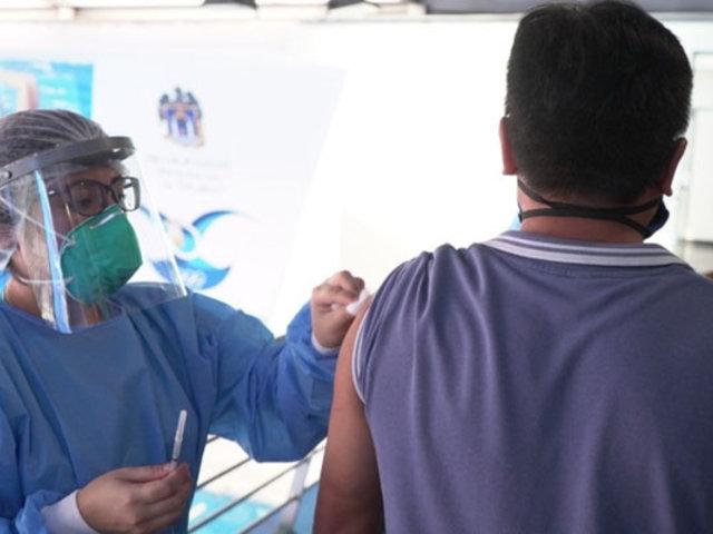 COVID-19: vacuna hecha en Perú se probaría en humanos en octubre