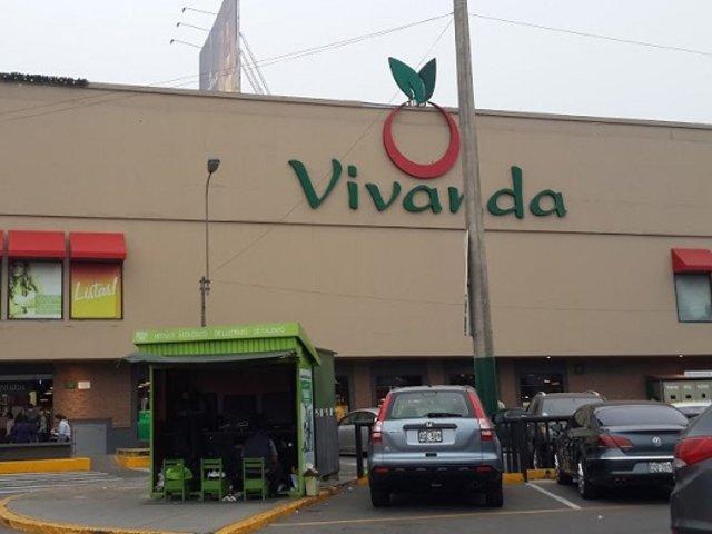 Surco: reportan 4 heridos por deflagración de gas en almacén de Vivanda
