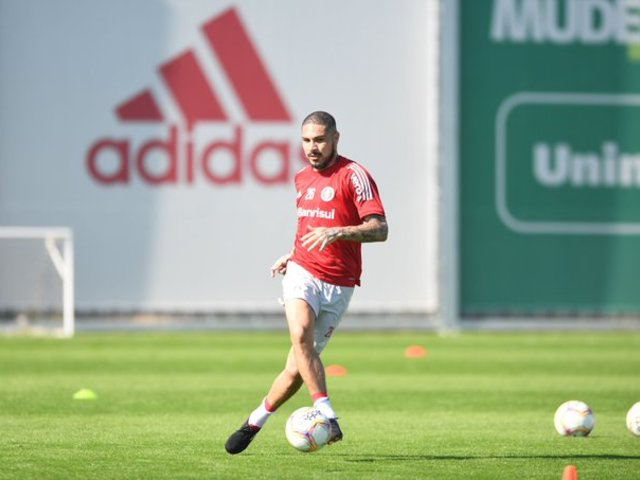 Paolo Guerrero volvió a las canchas del Inter de Porto Alegre
