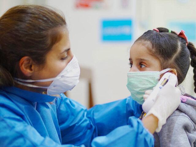 Cerca de 900 niños se contagiaron de Covid-19 en Perú en la última semana