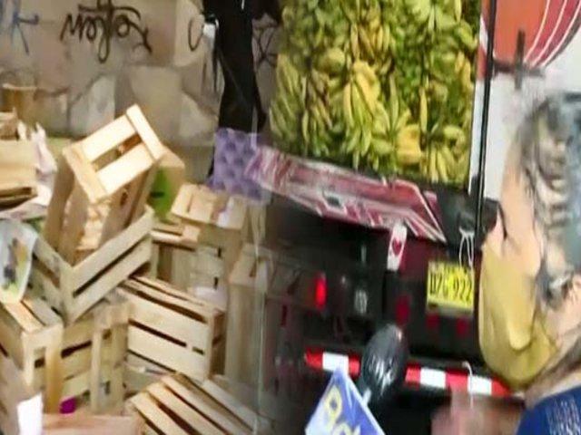 "San Luis: desalojan a ambulantes cerca al ""Mercado de frutas"" que tomaron calles sin autorización"