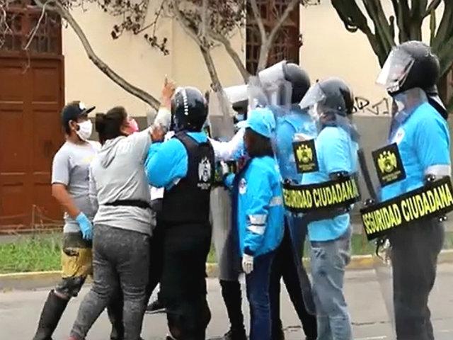 [VIDEO] Magdalena: ambulantes intentan tomar calles de la zona comercial del distrito