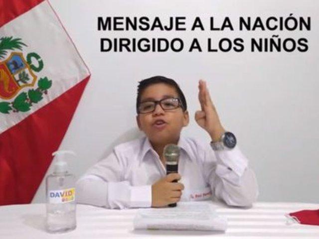 Youtube: niño de 8 años imita al presidente del Perú en las conferencias de prensa