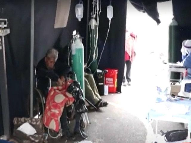 Cañete: hospital supera su capacidad y atiende enfermos en plena calle