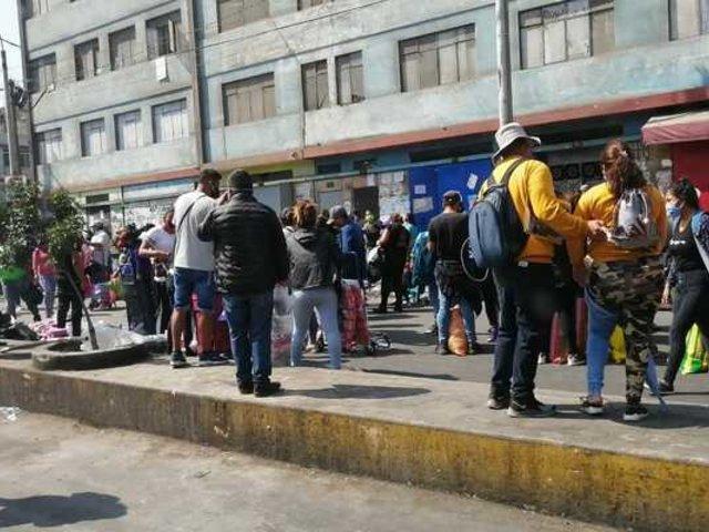 Gamarra: mafias estarían detrás de ambulantes en pleno estado de emergencia