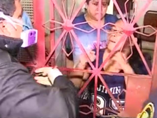 SMP: mujer tosió y escupió a policías durante intervención a policlínico