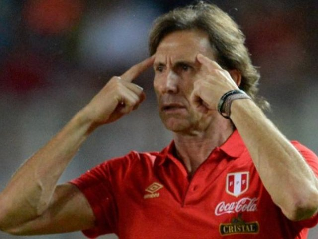 """Ricardo Gareca: """"El 30 de junio no nos sirve para reactivar el fútbol"""""""