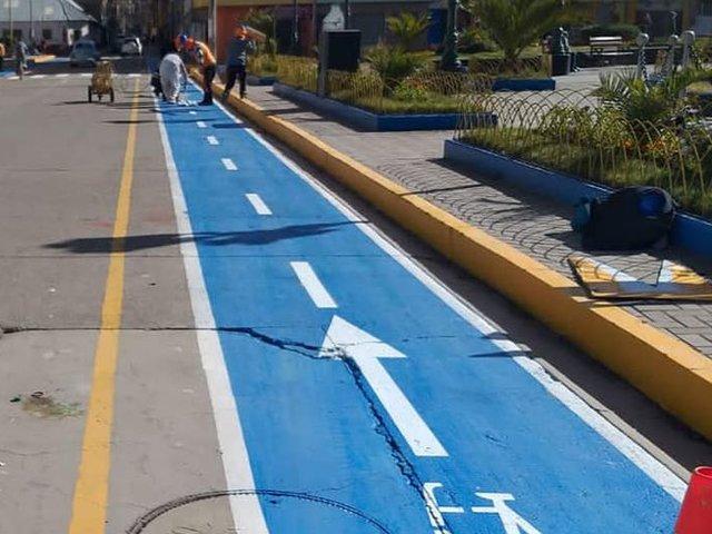 Puno: pintan ciclovías en las calles para promover el uso de bicicletas
