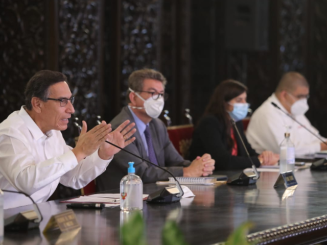 """Martín Vizcarra: """"Este no es el Gobierno del tarjetazo"""""""