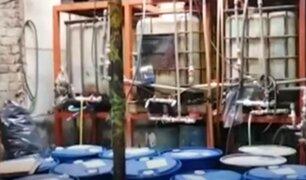 Los Olivos: clausuran fábrica de alcohol medicinal 'bamba'