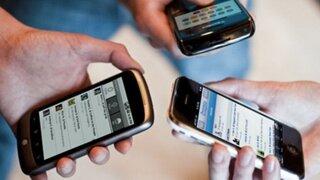 Defensoría pide aplazar suspensión del servicio de telefonía móvil por falta de pago