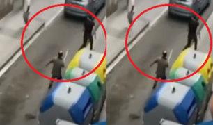 España: comerciante frustró asalto e hizo correr a ladrón