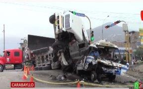 Mototaxista resultó herido tras aparatoso accidente entre tráiler y cúster