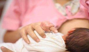 OMS aseguró que madres afectadas por la COVID-19 pueden dar de lactar a sus bebés