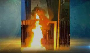 San Borja: lanzan explosivo y queman arreglo floral junto a puerta de Indecopi