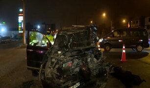 Puente Piedra: chofer muere al ignorar luz roja y chocar con camión