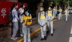 China: cierran todos los colegios en Pekín por rebrote de Covid-19