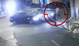 Cercado de Lima: peatones salvan de morir tras impactante accidente de tránsito