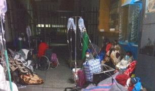 Arequipa: pacientes COVID-19 son atendidos a la intemperie