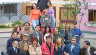 """Actores de """"Mil oficios"""" se suman a la Teletón digital """"Por un Perú sin hambre"""""""