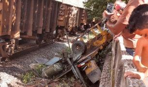 Brasil: camión es embestido por tren y chofer sobrevive