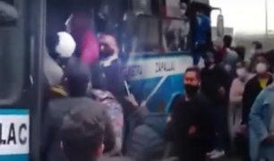 El Agustino: peatón graba bus repleto de pasajeros cerca al Puente Nuevo