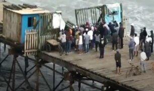 Pescadores de Puerto Eten ingresaron a muelle tras romper portón de entrada